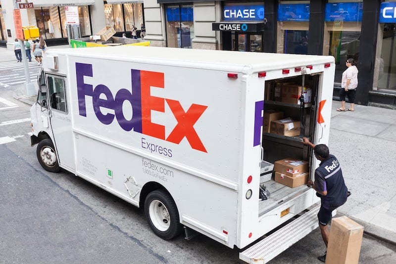 fedex us to canada