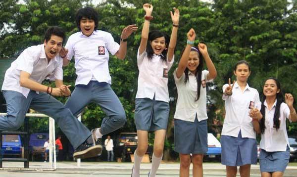 Makna Di Balik Warna Putih Abu-abu Seragam SMA