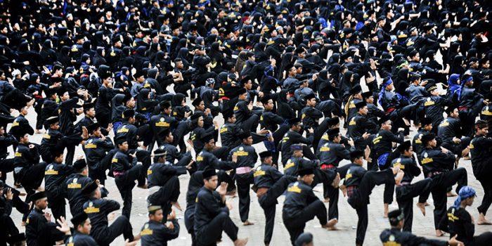 Ulama Dan Jawara Banten Pecahkan Rekor MURI Pada Acara Tapak Karuhun Banten
