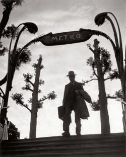 web_Metro_MIrabeau_alle_sei_del_mattinox_Parigi_1949