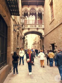 Lensbest-LensbestShop-LensbestBlog:https://res.cloudinary.com/fourcare/image/fetch/q_90/f_auto/fl_force_strip/https://www.lensbest.de/blog/LensbestBlog/20150420-janinasfashionreport-barcelona/2015_04_10_Janinas_Fashion_Report_Barcelona_Bild2.jpg