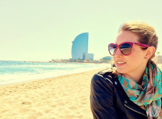 Lensbest-LensbestShop-LensbestBlog:https://res.cloudinary.com/fourcare/image/fetch/q_90/f_auto/fl_force_strip/https://www.lensbest.de/blog/LensbestBlog/20150420-janinasfashionreport-barcelona/2015_04_10_Janinas_Fashion_Report_Barcelona_Bild7a.jpg