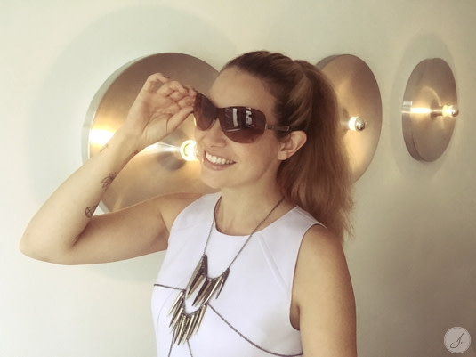 Lensbest-LensbestShop-LensbestBlog:/blog/LensbestBlog/20160930-janinasstylingtipp-monoscheibe/2016_09_21_Janinas_Styling_Tipp_Monoscheibe_Bild 1.jpg