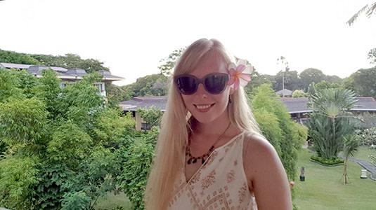 Lensbest-LensbestShop-LensbestBlog:https://res.cloudinary.com/fourcare/image/fetch/q_90/f_auto/fl_force_strip/https://www.lensbest.de/blog/LensbestBlog/20170528-lensfriends-sina/lensfriends-sina-535x300-bild5.jpg