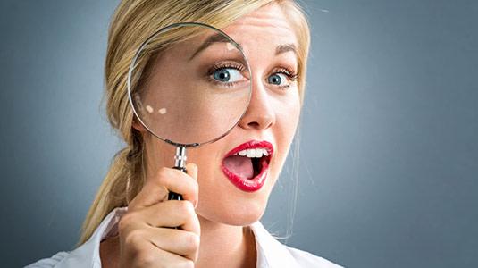 Lensbest-LensbestShop-LensbestBlog:https://res.cloudinary.com/fourcare/image/fetch/q_90/f_auto/fl_force_strip/https://www.lensbest.de/blog/LensbestBlog/20170921-kontaktlinsen-mythen/teaser-KL-mythen-535x300px.jpg