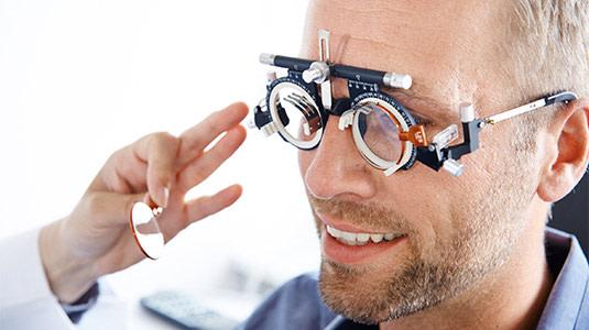 Das macht eine gute Kontaktlinsen Anpassung aus,