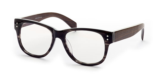 Brille aus Kunststoff