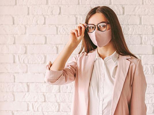 Schützen Brillen vor dem Coronavirus?
