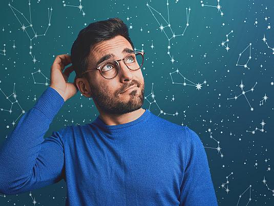 Brille und Kontaktlinsen für die Sternzeichen