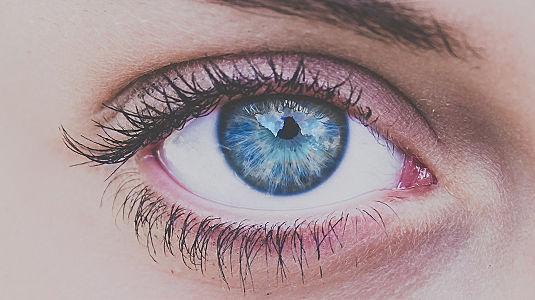 Ich schau dir in die Augen, Kleines! - Das verrät die Augenfarbe über die Liebe