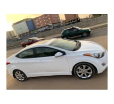 Hyundai Elantra limited Full options 2012