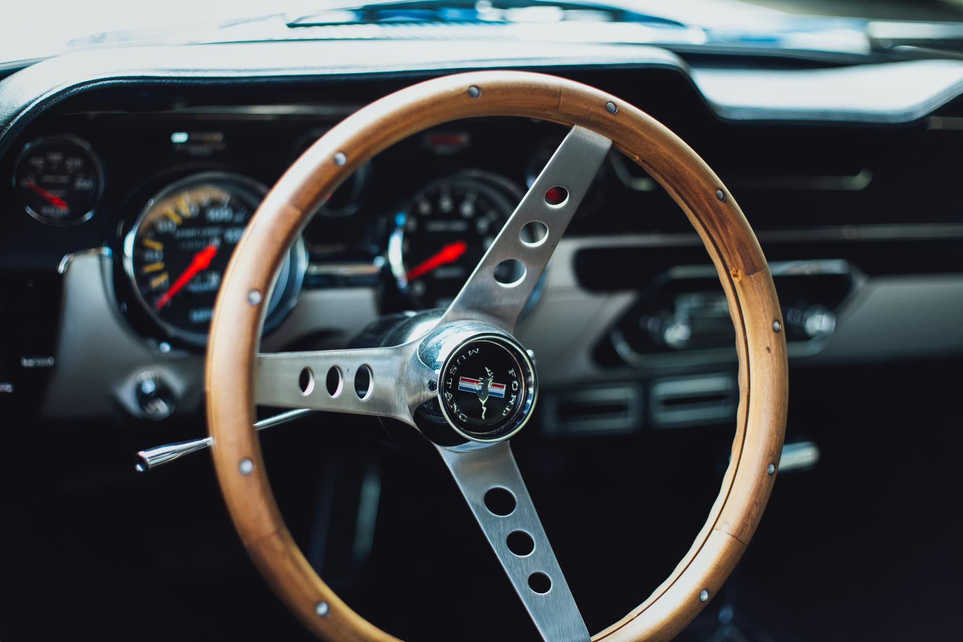 Photo of a Ford Mustang car steering wheel