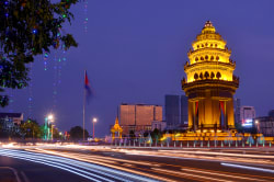 Cambodia Independence Monument, Phnom Penh Photo by allPhoto Bangkok on Unsplash