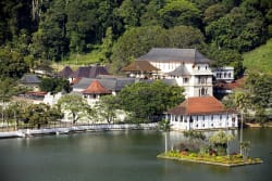 Panoramic view of Kandy Lake