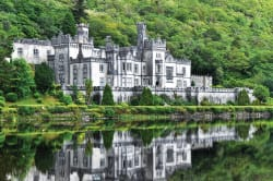 Kylemore Abbey Photo by Textman at nl.wikipedia