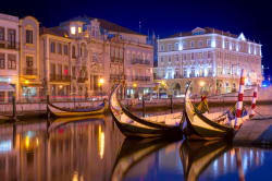 Aveiro at night