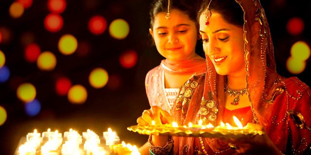 Dazzling Dubai & India with Diwali, Festival of Lights
