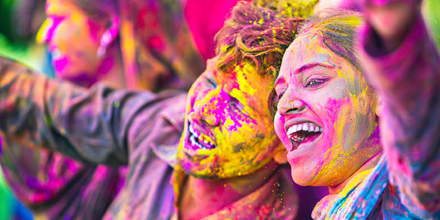 Dazzling Dubai & India with Holi, Festival of Colors