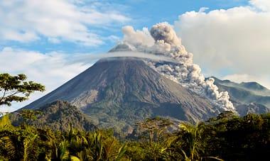 Costa Rica: Volcanoes, Rainforests & Beaches