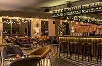 Lila Bar
