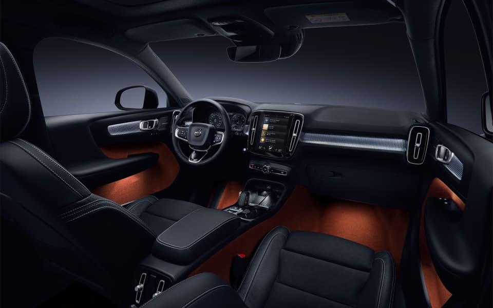 Kontrastfylt interiør med smarte løsninger i Volvo XC40