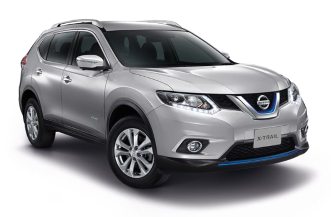 Nissan Xtrail i fargen sølv