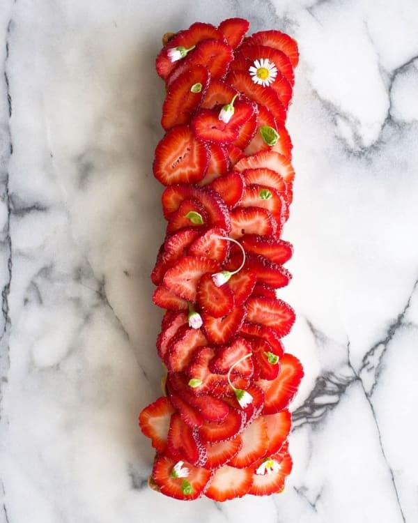Tartă cu căpșuni și busuioc