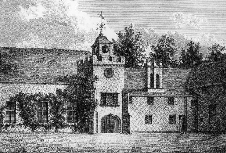 Картинката не може да има празен alt атрибут; името на файла е fulham-palace-ethcing-of-the-tudor-courtyard.jpg