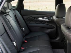 Infiniti Q70 2.2d Premium 4dr Auto