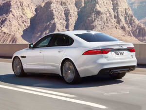 Jaguar XF 2.0d [180] Chequered Flag 4dr