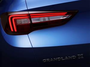 Vauxhall GRANDLAND X 1.2T Sport Nav 5dr