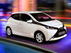 Toyota AYGO 1.0 VVT-i X-Play TSS 5dr x-shift
