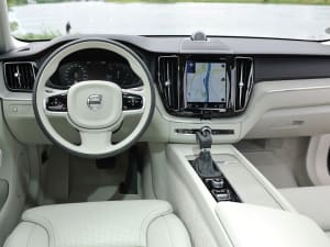 Volvo XC60 2.0 B5P R DESIGN 5dr Geartronic