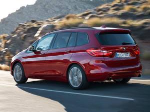 BMW 2 SERIES 220d Sport 5dr