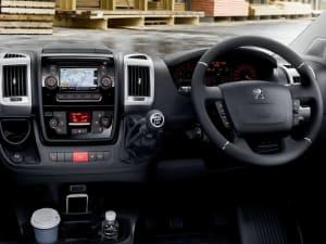 Peugeot BOXER 2.2 BlueHDi Luton 165ps
