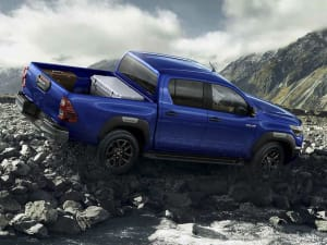 Toyota HILUX Active Extra Cab Pick Up 2.4 D-4D