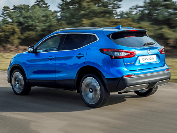 Nissan QASHQAI 1 5 dCi N-Connecta [Glass Roof Pack] 5dr