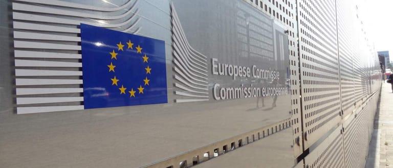 relazione commissione europea sigaretta elettronica