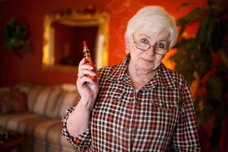Liz e lo svapo per ultra sessantenni
