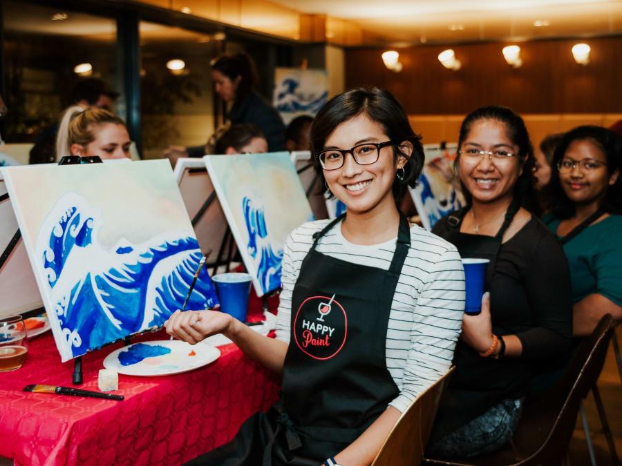 Atelier DIY Apéro/Peinture avec un Artiste pour un EVJF