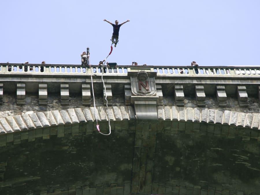 Saut à l'élastique du Pont Napoléon dans les Hautes-Pyrénées