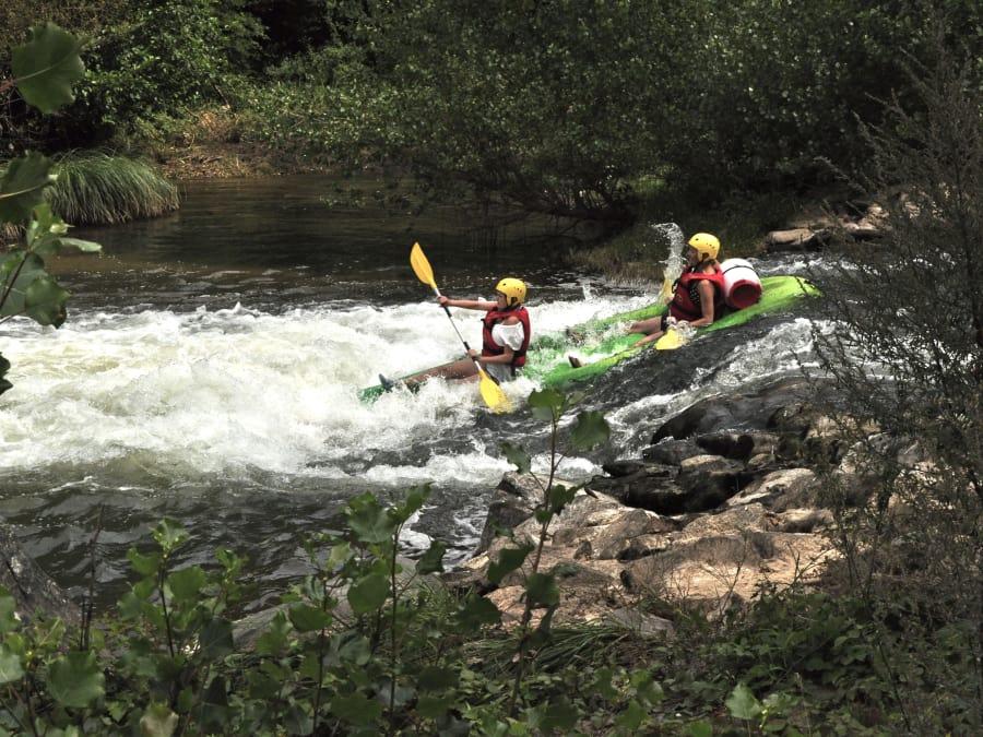 Canoë-Kayak dans les gorges de l'Aveyron proche de Najac