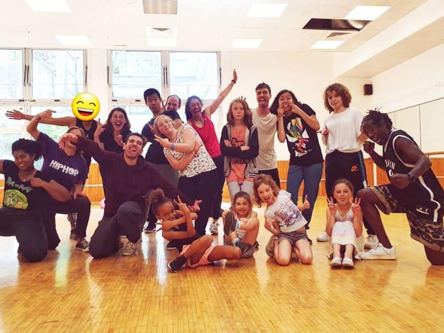 Arbre de Noël en Entreprise : Animation Danse Hip-Hop pour enfan