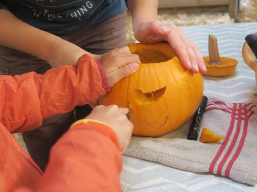 Atelier citrouille Halloween à la ferme de Thorigné Fouillard