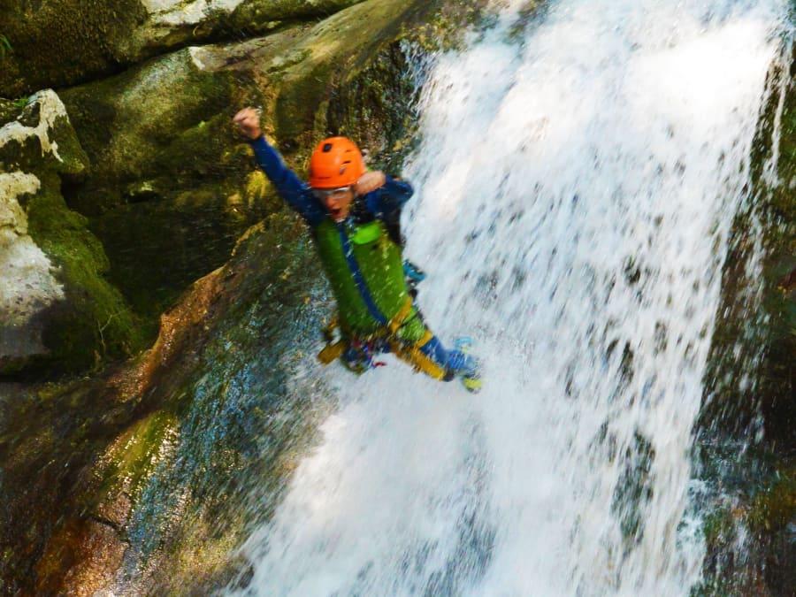 Canyoning dans le canyon du Groin dans l'Ain (Chambéry-73)