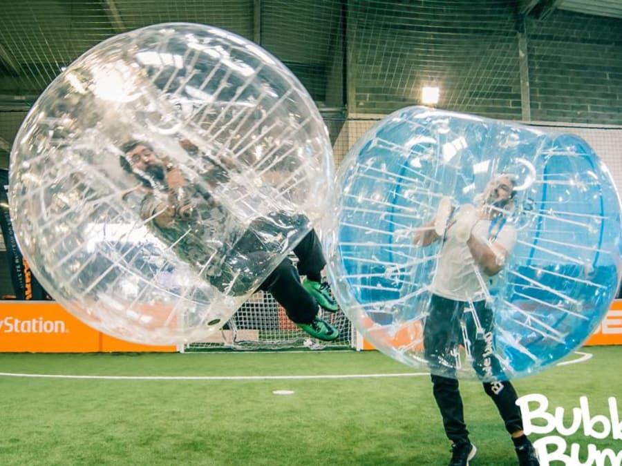 Partie de Bubble Foot entre amis à Rouen (76)