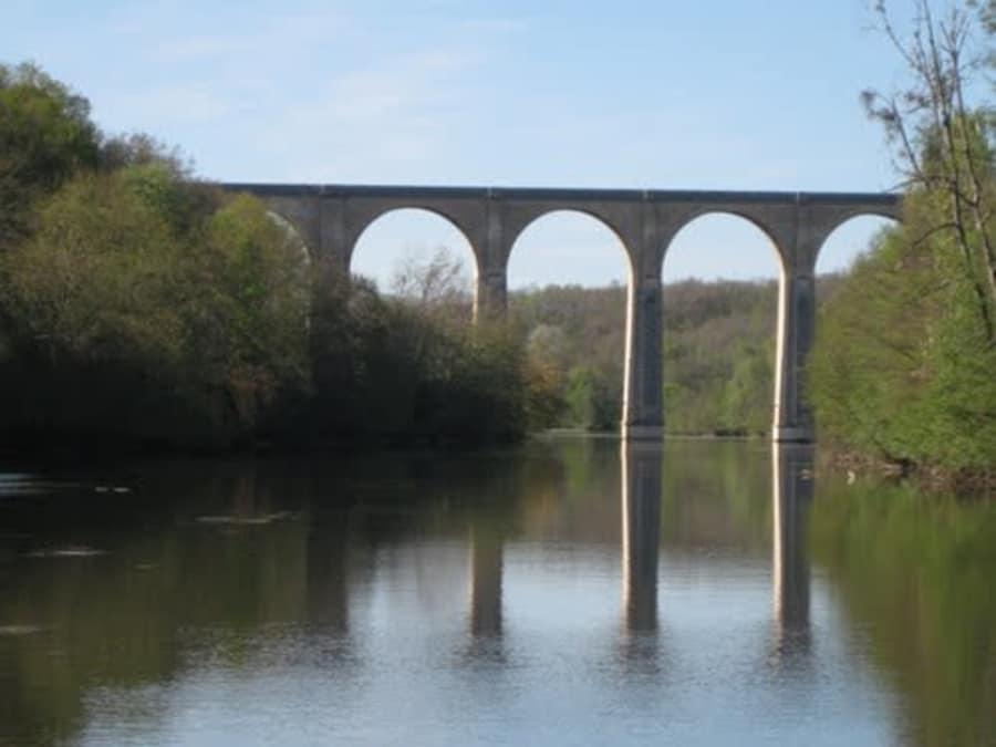 Saut à l'élastique depuis le Viaduc de Le Blanc (Indre, 36)
