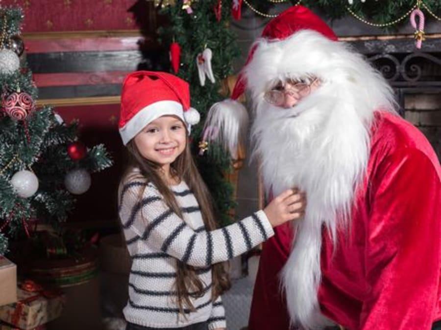 Distribution des Cadeaux par le Père Noël en Île-de-France