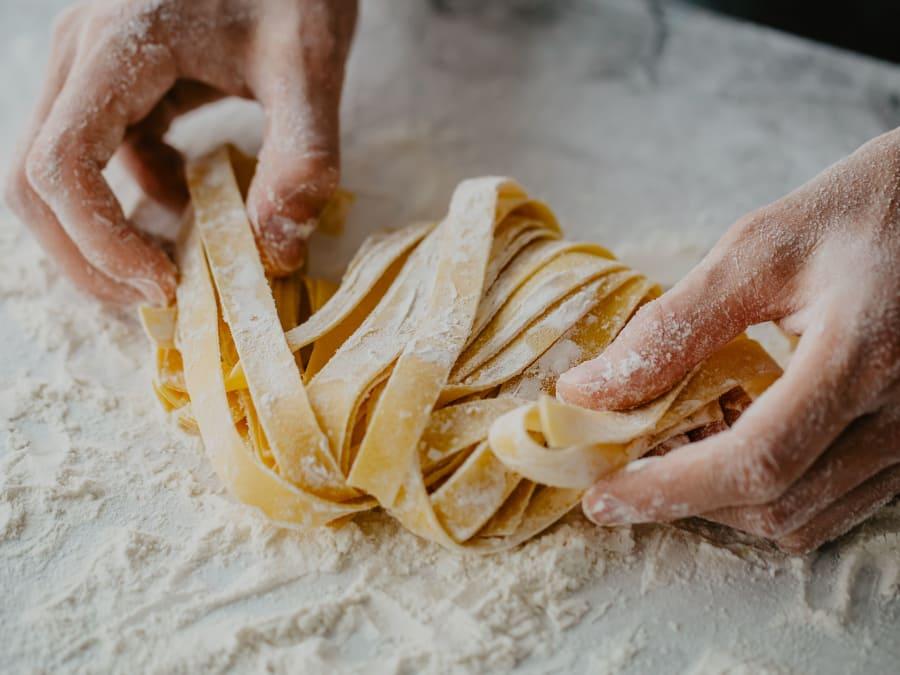 Atelier fabrication de pâtes fraîches avec un chef sicilien