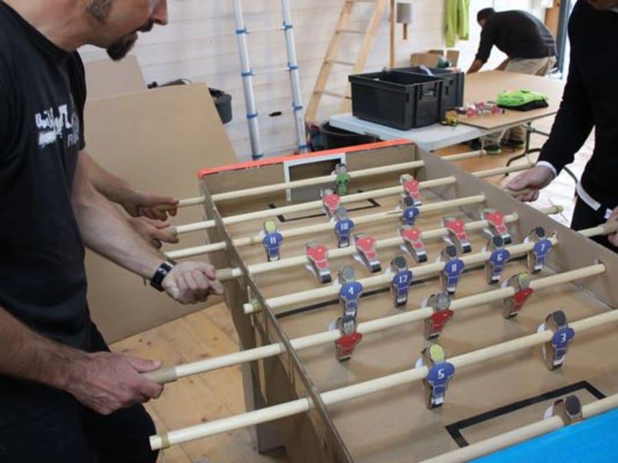 Team Building Construction de Baby Foot en Carton